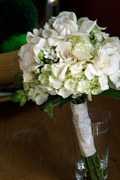 Bridal bouquet white Source by Simple Wedding Bouquets, Simple Weddings, Floral Bouquets, Floral Wedding, Diy Wedding, Wedding Ceremony, Wedding Flowers, Ivory Bridesmaid Dresses, Bridesmaid Bouquet