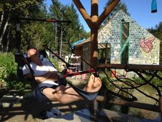 Building on Community: Inesting in Self-Sufficient and Natural Life - Foundation for Intentional Community