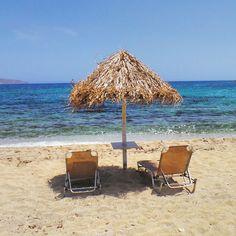 'Wish you were here'.. at Kalafatis Beach in Mykonos, Greece.. #mykonos #greece #kalafatis #travel #beach #mediterranian #kalafatisbeach #colourful #coastline #dreambeach #ilovegreece #bluesky
