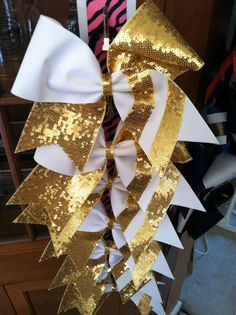 Cheer bow order by Desa Rose Bowtique visit us at www.etsy.com/shop/desarosebowtique
