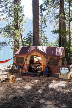 The perfect home away from home. Todo Camping, Camping Hacks, Camping Glamping, Camping Survival, Camping Life, Camping Gear, Outdoor Camping, Hiking Tent, Bushcraft Camping