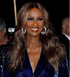 "Timeless beauty, @the_real_iman stepped out last night for @tomford's AW16 Show!  #MUA @porschefabulous clammed her in: Face: Cream to Powder Foundation and Luxury Contour Trio  Eyes: Luxury Eye Shadow Pencils in ""Deception"" and ""Forbidden"", Volumize Mascara and Eyebrow Pencil in ""Blackest Brown"" Cheeks: Luxury Blushing Powder in ""Posh""  Lips: Perfect Lip Pencil in ""Cocoa"", Moisturzing Lipstick in ""Hipster"" and Lipgloss in ""Coppertone""  #CelebrateYourSkinTone and get the look on…"
