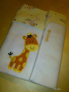 Babydecke für die Wiege oder den Kinderwagen    mit einer Tierapplikation (18 x 12 cm ung.)    Stickmuster von http://de.dawanda.com/shop/artapli  ...