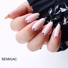 #manidot trend ⚫  με το αγαπημένο μας 032 Biscuit, 031 Black Diamond, Dotting tool 01 και το Top Mat Total με satin finish ❣️  #semilachellas #semilac #ημιμονιμο_μανικιουρ #νυχια #ημιμονιμο