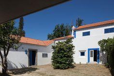"Дом ""Quinta da Boavista"" в Португалии – проект студии SAMF Arquitectos - http://archiq.ru/dom-quinta-da-boavista-v-portugalii-proekt-studii-samf-arquitectos/"