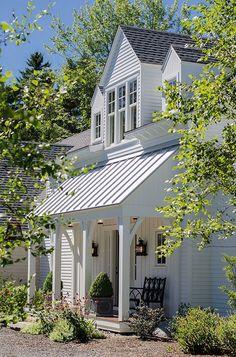 Modern farmhouse exterior design ideas (46)
