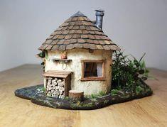 Fairytale house / gnome house / fairy house light of – Backyard & Garden Design Fairy House Crafts, Clay Fairy House, Gnome House, Fairy Garden Houses, Casa Gnome, Cottage Garden Design, Backyard Garden Design, Diy Garden, Clay Houses