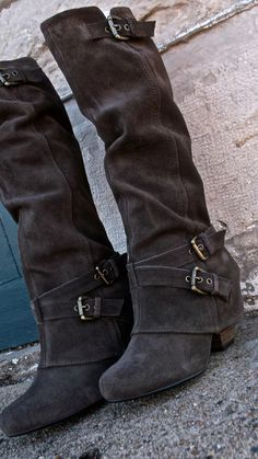 Three Comfortable and Fashionable Black Boots That I Couldn't Take off This Winter Source by fashion boots Crazy Shoes, Me Too Shoes, Heeled Boots, Bootie Boots, Ankle Boots, Over Boots, Cute Boots, Swagg, Fashion Boots