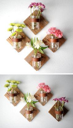 DIY Rustic Mason Jar Sconce - Add some flowers by making a DIY sconce with mason jars. Diy Wand, Easy Diy Crafts, Jar Crafts, Decor Crafts, Budget Crafts, Homemade Crafts, Art Decor, Crafts Cheap, Homemade Home Decor