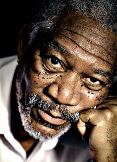 He`s one of my favourite actors… Morgan Freeman © Michael Grecco Jean Reno, Morgan Freeman Voice, Driving Miss Daisy, William Blake, Anthony Hopkins, John Travolta, Famous Faces, Figure Drawings, Black And White