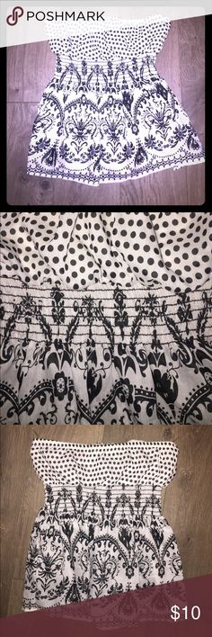 Super cute brand new 60s style tube top Stylish with different patterns, black and white Tops