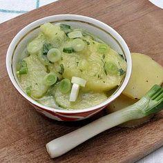 újhagymás krumplisaláta