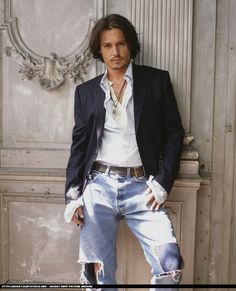 johnny Depp, waiting you in your first date ;-)