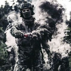 When duty calls. Military Photos, Military Police, Military Weapons, Military Art, Airsoft, Future Soldier, Army Soldier, Military Special Forces, Smoke Photography