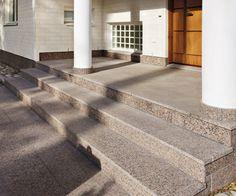 Granit looks good in stairways.