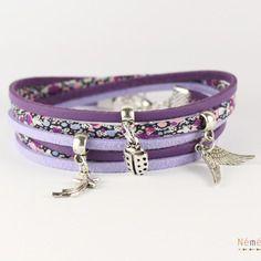 Bracelet liberty tissu pepper mauve et suédine coloris lavande violet, breloques métal argenté