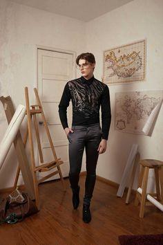 Male Fashion Trends: Marco Manero explora la funcionalidad de las referencias militares en su colección Fall-Winter 2017