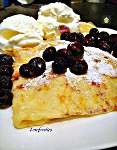 How to Make Crepes (Thin Pancakes) Easy guide with lots of filling suggestions too! Make as a dessert or savory dish #crepes #pancake #tutorial #easyrecipe