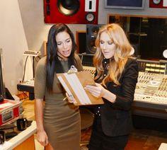 Malgré la maladie de son mari, René Angelil, Céline Dion prépare son retour dans les bacs avec deux albums en préparation. Intéressons-nous à l'album français qui serait prévu pour l'année 2016. L'album anglais pour sa part pourrait bien sortir en 2017....