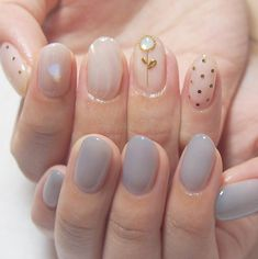 In search for some nail styles and some ideas for your nails? Here is our list of must-try coffin acrylic nails for trendy women. Korean Nail Art, Korean Nails, Minimalist Nails, Love Nails, Pretty Nails, Ten Nails, Instagram Nails, Chrome Nails, Motif Floral