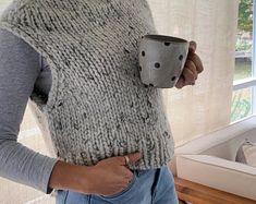 Sweater Knitting Patterns, Knit Patterns, Knit Vest Pattern, Knit Poncho, Cropped Sweater, Knit Crochet, Crochet Hats, Sweaters, Costume