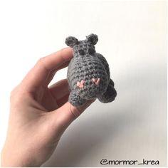 Sød lille flodhest  Kan bruges til aktivitetsstativ uro barnevognskæde mm.  Bestillinger kan sendes til mormor_krea@hotmail.com #mormorshæklerier #lavespåbestilling #hækle #hæklet #hækleri #hækletflodhest #hækletrangle #crochet #crocheting #crochetanimal #crochethippo #instacrochet #crochetinspiration #crochetrattle #crochettoy #rangle #luksusbaby #baby #krea #diy #garn #bomuld #flodhesterangle #luksusbaby #barselsgave #babyrangle #gravid #barselsliv #barselslivet #hippo by mormor_krea