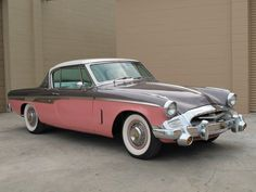 This 1955 Studebaker Speedster features an iconic design that many a classic car collector will recognize immediately.