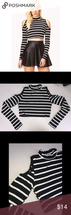 (NWT) F21 Cold Shoulder Crop Top with Long Sleeves -Never been worn -In perfect condition  -Purchased at Forever 21 -Stretchy material  -OFFERS WELCOME! Forever 21 Tops Crop Tops