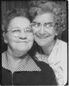 happy old ladies   vintage 50s photo booth
