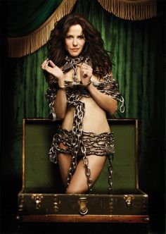 Mary-Louise Parker wearing handcuffs and chains. Weeds the TV Series.