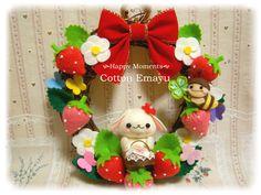 画像表示 - Cotton Emayu*えまのハンドメイドブログ - Yahoo!ブログ Nihon, Mobiles, Felt, Christmas Ornaments, Holiday Decor, Cotton, Crafts, Home Decor, Wreaths
