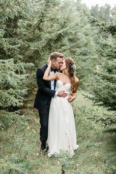 Outdoor ranch wedding. Sarah Seven dress. #sarahsevenloveclub
