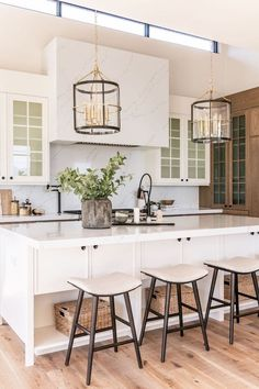 Project Reveal: Summit Creek KitchenBECKI OWENS white kitchen with natural wood, black pendant lights Modern Farmhouse Kitchens, Home Kitchens, Home Design, Home Interior Design, White House Interior, White Home Decor, Kitchen Interior, Kitchen Decor, Home And Deco