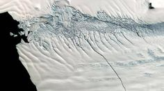 Ilmastonmuutos on lämmittänyt Etelämantereen rannikkoa kiertävää merivettä, mikä kiihdyttää jään reunan purkautumista mereen.