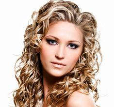 Frost and Glow Frosted hair highlights wax and wane in popularity, but the look never completely fades from the fashion culture. The reason? This is a look that gets noticed, every time.