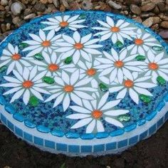 Round Flowers Mosaic Stepping Stone Cool Gardens , Cool Gardens With Mosaic Stepping Stones In Garden And Lawn Category