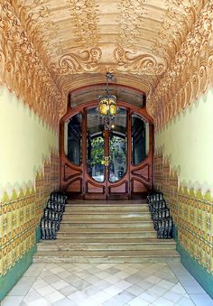 https://flic.kr/p/4sHs8W | Barcelona - Gran de Gràcia 077 j | Casa Francesc Cama  1904  Architect: Francesc Berenguer i Mestres