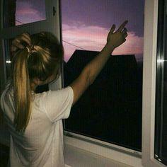 pinterest: sighcyn dm me i need friends