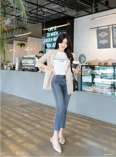 korean girl fashion ~ korean girl + korean girl aesthetic + korean girl fashion + korean girl groups + korean girl ulzzang + korean girl short hair + korean girl aesthetic faceless + korean girl names Blazer Outfits Casual, Cute Casual Outfits, Simple Outfits, Stylish Outfits, Grunge Outfits, Korean Girl Fashion, Korean Fashion Trends, Ulzzang Fashion, Korea Fashion