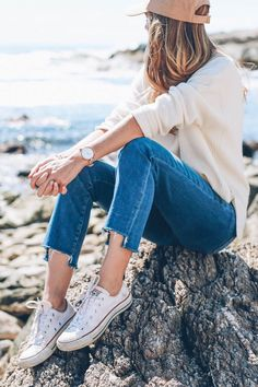 Jeans and converse for fall / Jess Kirby weekend style