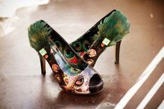 Peacock and sugar skull shoes Funky Shoes, Kinds Of Shoes, Crazy Shoes, Me Too Shoes, Bride Shoes, Prom Shoes, Wedding Shoes, Zombie Wedding, Punk Wedding
