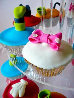 30 Magical Disney Cupcakes so cute for kids Disney Theme Cupcakes, Disney Themed Food, Themed Cupcakes, Yummy Cupcakes, Disney Food, Disney Desserts, Disney Ideas, Cupcake Bakery, Cupcake Wars