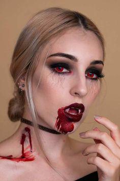 Classic Halloween Costumes, Amazing Halloween Makeup, Halloween Eyes, Halloween Makeup Looks, Halloween Outfits, Halloween 2020, Halloween Makeup Vampire, Halloween Makeuo, Halloween Sounds