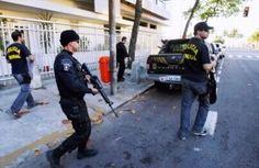 Uma operação conjunta, coordenada pela Polícia Federal (PF) em Araçatuba (SP) e executada ontem, em quatro estados do Brasil, culminou com a prisão, em Fortaleza, do traficante de drogas e armas Ale ...