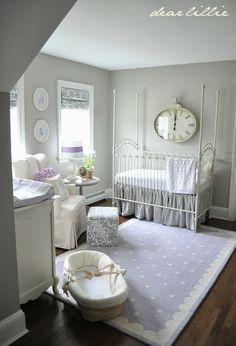 Baby white and violet room // Habitación para bebé blanca y violeta