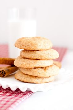 Is there anything that can replace a fresh, homemade cookie warm out of the oven? Cookies are my weakness in life. Let me rephrase that, cookies are one of