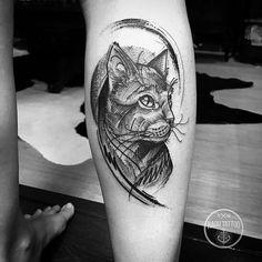 Tatuagem de gato criada por Kadu Tattoo.  #tattoo #tattoo2me #tatuagem #art #arte #blackwork #gato
