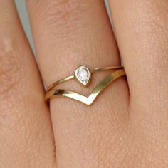 I LOVE that wedding band with the simple engagement ring! Pear Diamond Wedding Set with a Curved Wedding Band - Gold--not this specific ring, but I really love that shape of wedding band with the pear diamond! Diamond Wedding Sets, Curved Wedding Band, Wedding Bands, Wedding Ring, Ring Set, Ring Verlobung, Pear Ring, Hand Ring, Pear Diamond