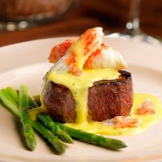 King Crab Steak Oscar Capital Grille Recipes: How to Make Capital Grill Entrees at Home. Like this Filet Oscar! Grilling Recipes, Seafood Recipes, Gourmet Recipes, Beef Recipes, Fine Cooking Recipes, Gourmet Meals, Gourmet Dinner Recipes, Cooking Wine, Barbecue Recipes