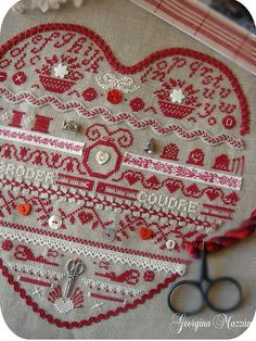 adding some sweet little elements to cross stitch! El blog de Georgina: En Rojo